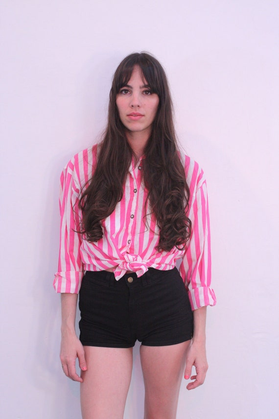 ON HOLD for jing 1990s Pink Striped Button Up Oxford Size S-M