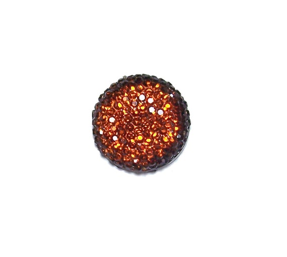 20mm round and faceted cabochon in Topaz