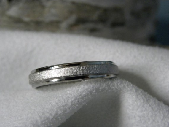 Titanium Ring 4mm Wedding Band Best Seller GREAT Price
