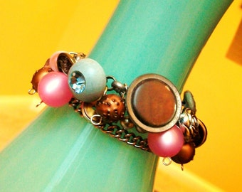 Bracelet DAZZLING SMILE Vintage RePurposed Jewelry