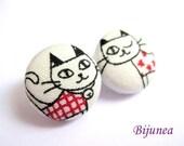 Red cat stud earrings