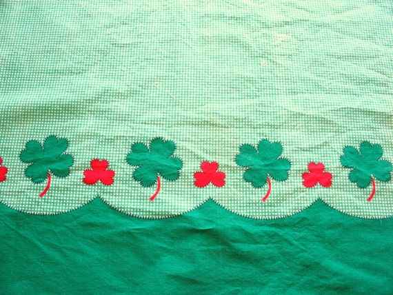 SALE :) red shamrocks and green clover vintage novelty print cotton fabric