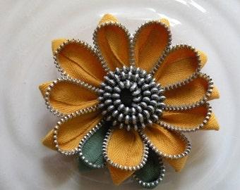 Sunflower Vintage Zipper Brooch or Hair Clip