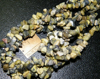Chip beads: 36 inch strand natural yellow turquoise medium chip beads, supplies