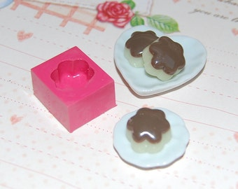 Flower shaped pudding tart cake1 Mold/Mould for Resin, Polymer clay & Air dry Clay 1,5 cm diameter
