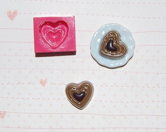 Heart shaped pudding cake base 2 Mold/Mould for Resin, Polymer clay & Air dry Clay 1,7 cm x 2 cm