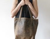 market tote in distressed rawhide brown leather