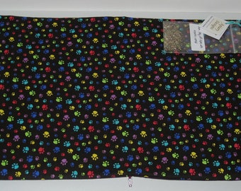 Catnip Activity Mat - Bright Paw Prints on Black