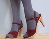 RESERVED for lisakathrine83 vintage 1970s wooden platform WINE velvet heels 8