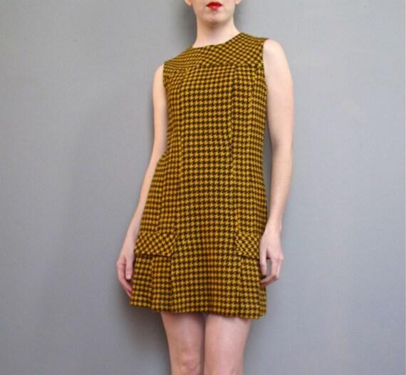 1960s MOD houndstooth MINI dress XS S