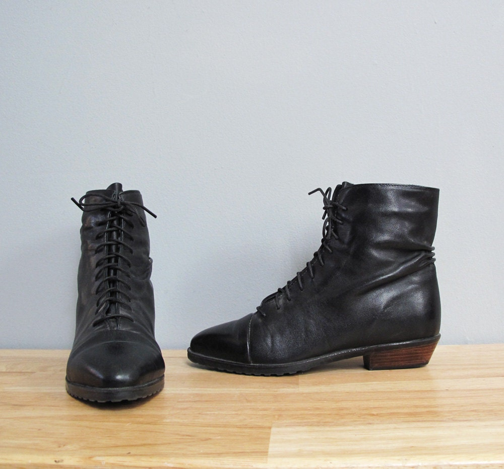 vintage black leather lace up flat ankle boots 5 5