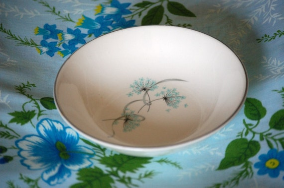 Tiny Vintage Bowl with Queen Annes Lace design on SALE