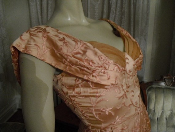 Vintage Silk Pink 50's Wiggle  Shelf Bust..Pin-up  N.Y. Couture  Hand Embroidered
