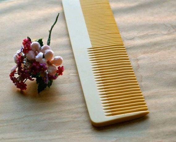 Antique Celluloid Comb from 5gardenias Vintage