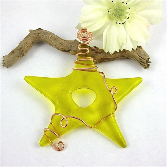 Yellow glass star ornament suncatcher fused by dpholkdesigns