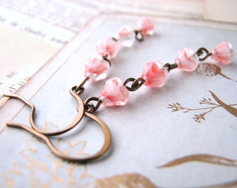 Coral givre earrings with Czech glass flowers