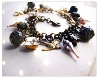 Shabby charm bracelet black pearl vintage glass beads