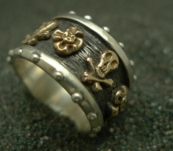 Pirate Skull Crossbones Custom Flowers Finger Band