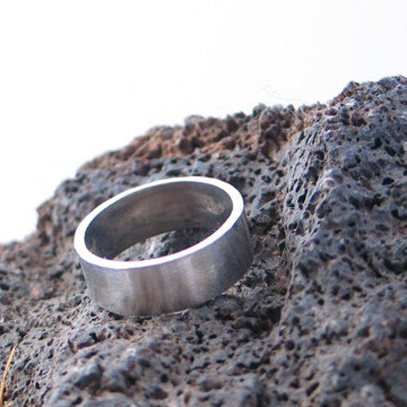 10k White Gold Ring 8mm