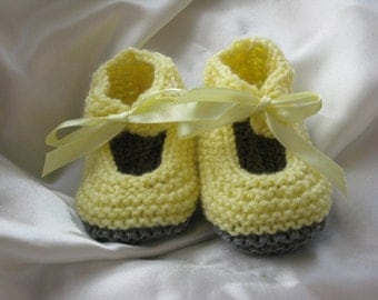Knitted mary Jane baby booties -- Yellow and gray with satin ribbon