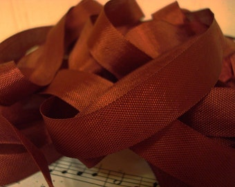 20 Yards Vintage Seam Binding - Wine