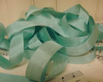 20 Yards Bay Leaf - Vintage Seam Binding