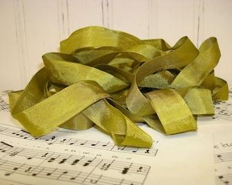 5 Yards Vintage Seam Binding - Olive Green