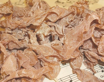 6 Yards Hand Scrunched Seam Binding - Light Mink