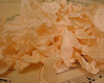 6 Yards Hand Scrunched Seam Binding - Pale Peach