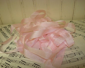 5 Yards Vintage Seam Binding - Soft Pink