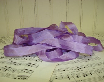 5 Yards Vintage Seam Binding - Lavender