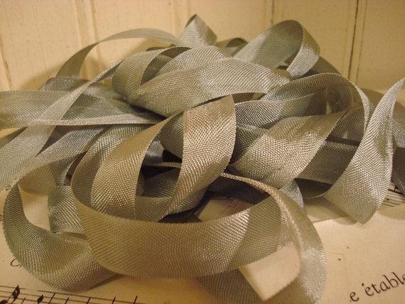 5 Yards Vintage Seam Binding - Sage