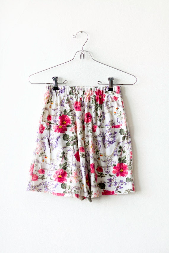 CIAO SUMMER SALE Floral High Waisted Shorts Size Small