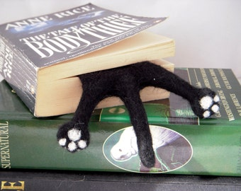 Cat Bookmark - Black Needle Felted Kitty Half Splat bookmark #Etsygifts - Cat lovers gift - Geeky gift - geeky bookmark