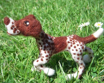 Custom needle felted red and white German Shorthaired Pointer soft dog plushie sculpture