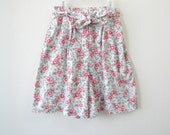 Vintage High Waisted Floral Shorts Size Small
