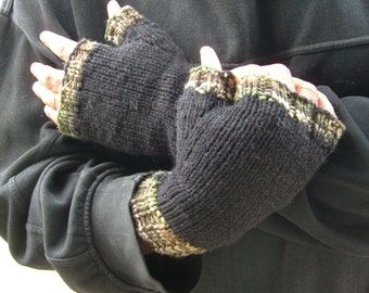 Hand Knit Fingerless Gloves For Men / In Black With Camouflage Trim