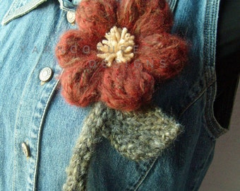 The OVERSIZED Floral Brooch In Brick/Rust