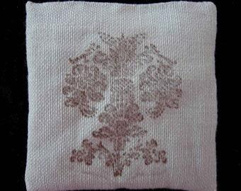 lavender linen sachet