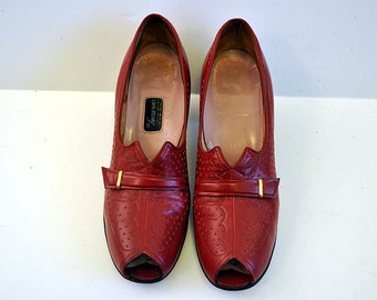 1930s shoes / Vintage 30's 40's Red Peeptoe Perforated Buckle Shoes