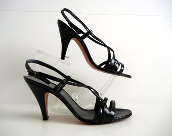 1970s shoes / Strappy Vintage 70's Black Geoffrey Beene Bag Italian Shoes Heels