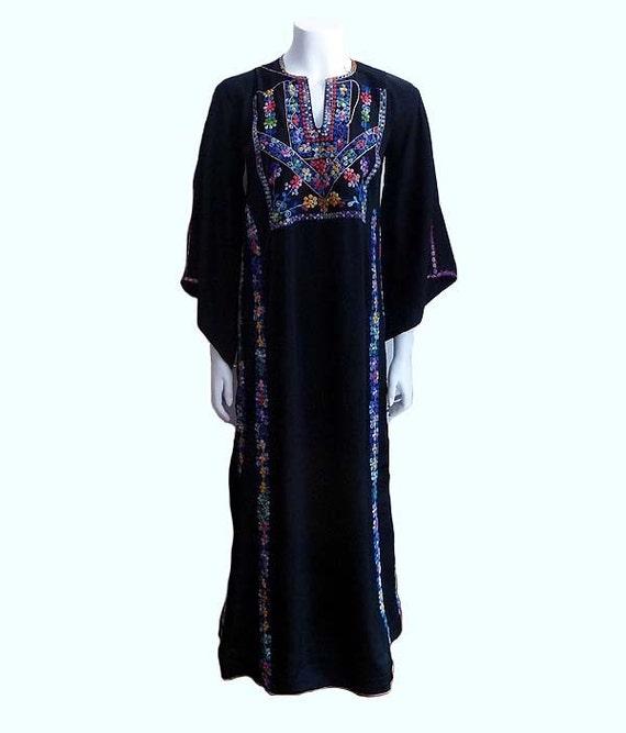 1930s dress / Lavishly Embroidered Vintage 1930's Black Crepe Tunic Dress Angel Sleeves