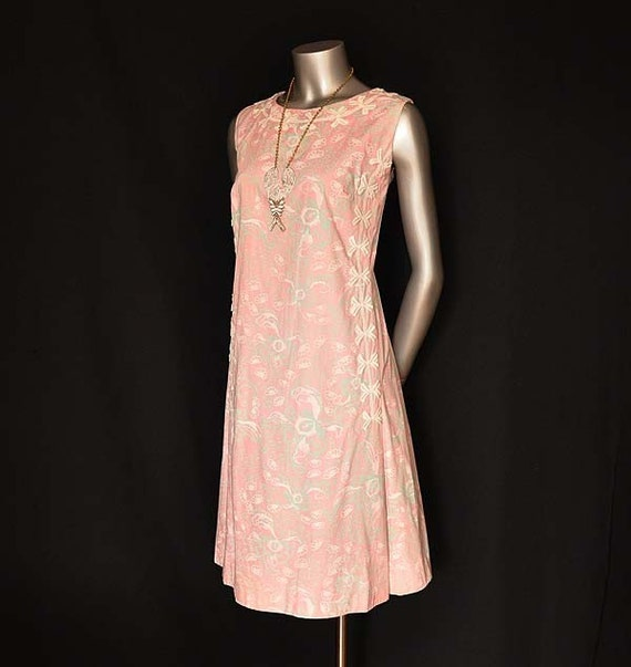 1960s dress / Vintage 60's Lilly Pulitzer Dress / Early Sheath Lace Embellishment