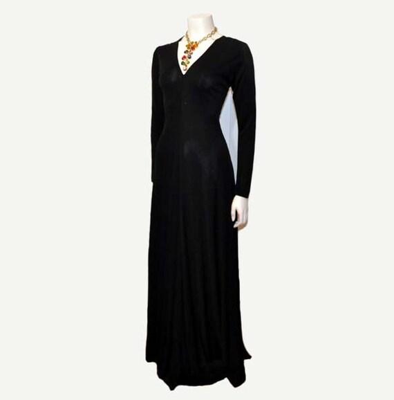 1970s dress / Slinky Vintage 70's Scott Barrie Black Jersey Dress