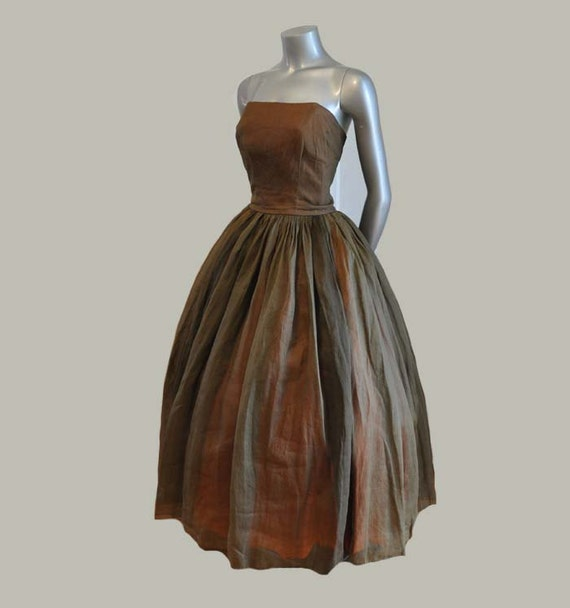 1950s dress / Vintage 50's Strapless Organza Full Skirt Dress with Matching Lace Shawl