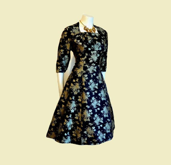 1950s dress / Vintage 50's Brocade Black with Gold Spider Chrysanthemum Cocktail Dress