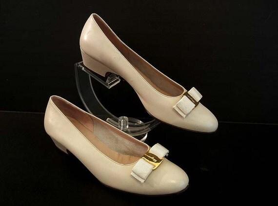 80s shoes / Vintage Salvatore Ferragamo Vara Logo Bow Shoes
