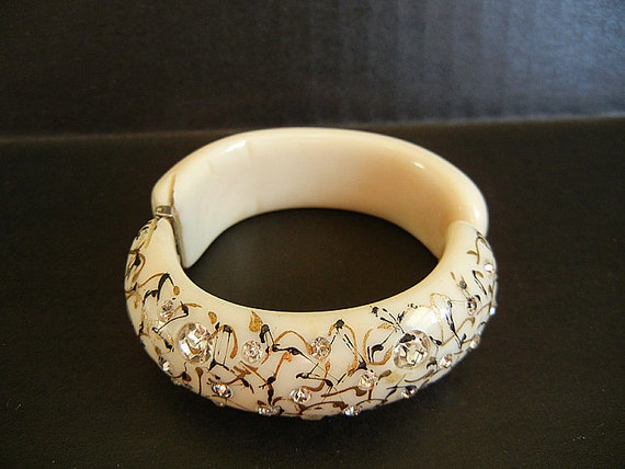 1950s bracelet / Vintage 50's Bakelite Thermoplastic Rhinestone Clamper Bracelet