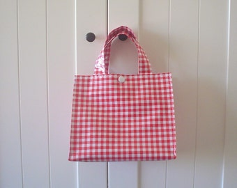 Beth's Red Gingham Oilcloth Lunch Box