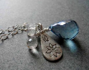 Charming Fishy Flower Necklace